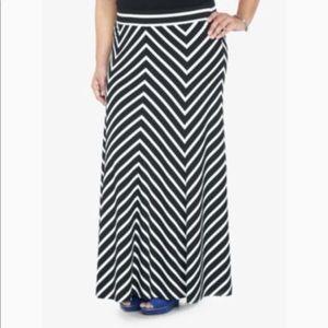 Torrid black white seamed maxi skirt size 2X